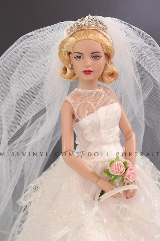 Tiny Kitty in Bridal Bliss
