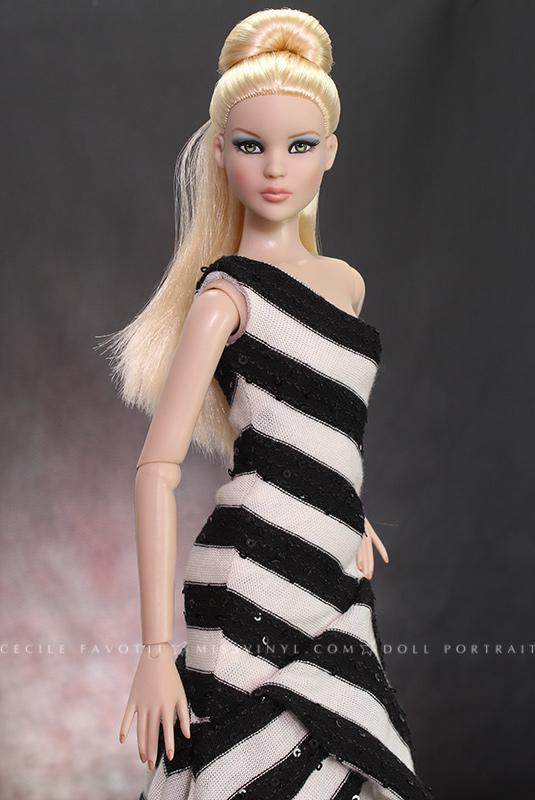 Cami joue à la Barbie