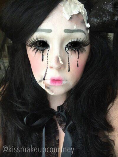 La poupée dont votre petit frère a ôté les yeux par vengeance